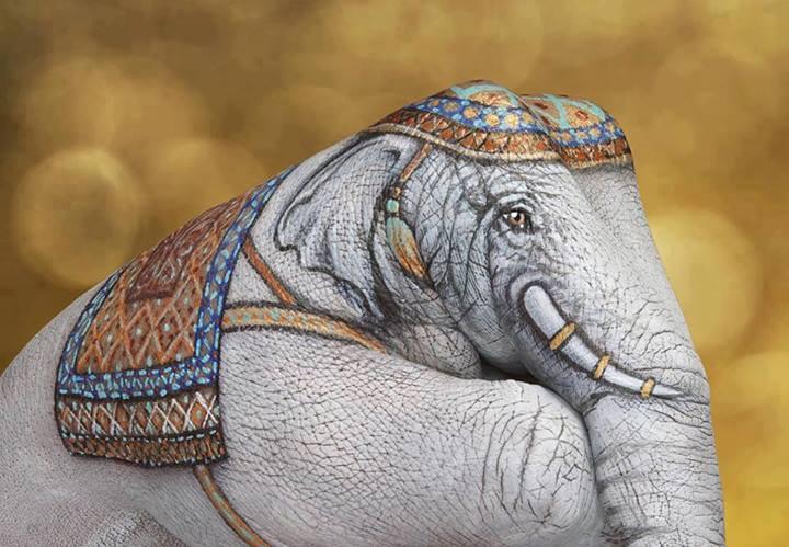 hand-art-elephant