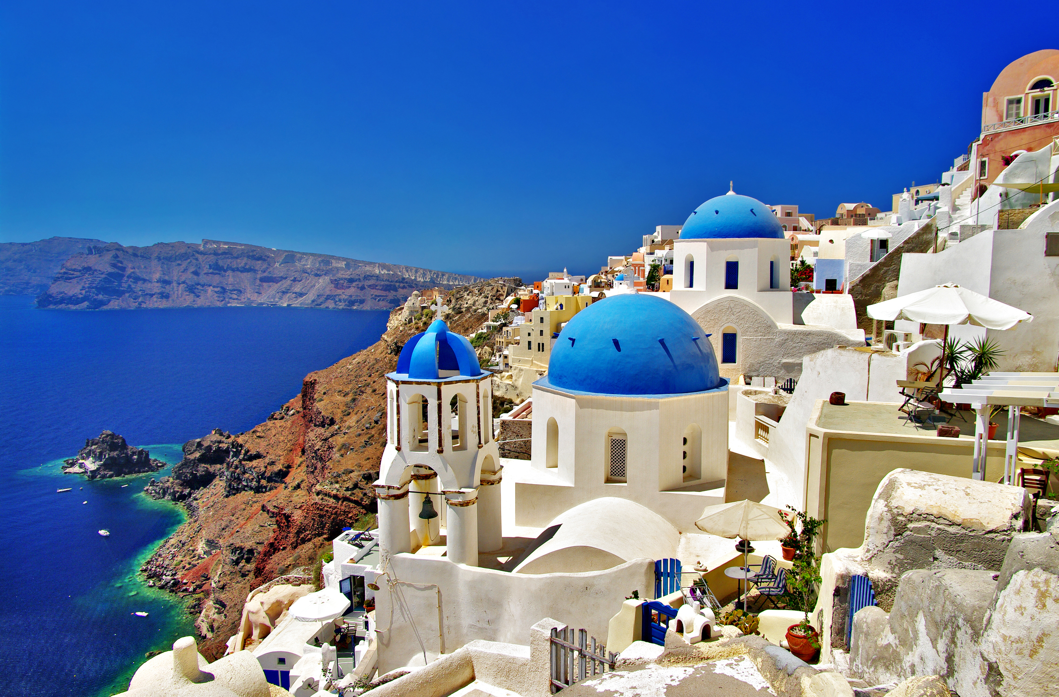 Top 30 luxurious hotels to check out in santorini greece for Hotels santorin
